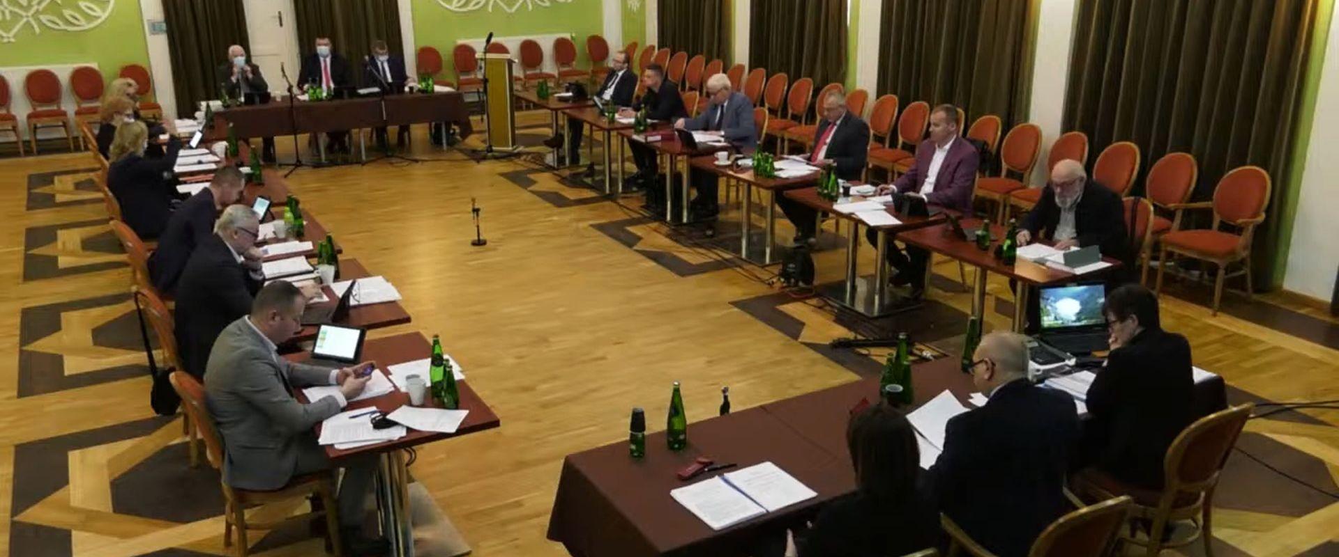15 radnych zaakceptowało budżet na 2021 r.