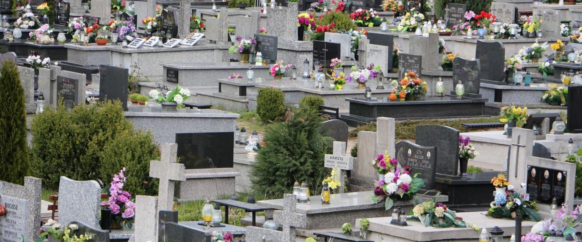 Jak dojechać na cmentarze?
