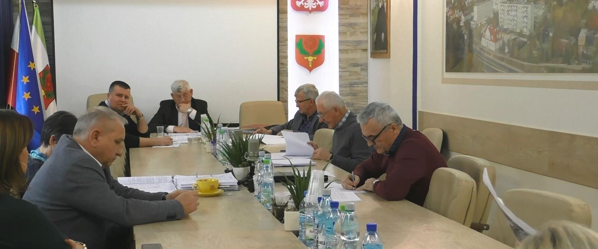 Radni proponują: ulica na kredyt, z płac na oczyszczanie miasta i projekt rozbudowy ul. Targowej