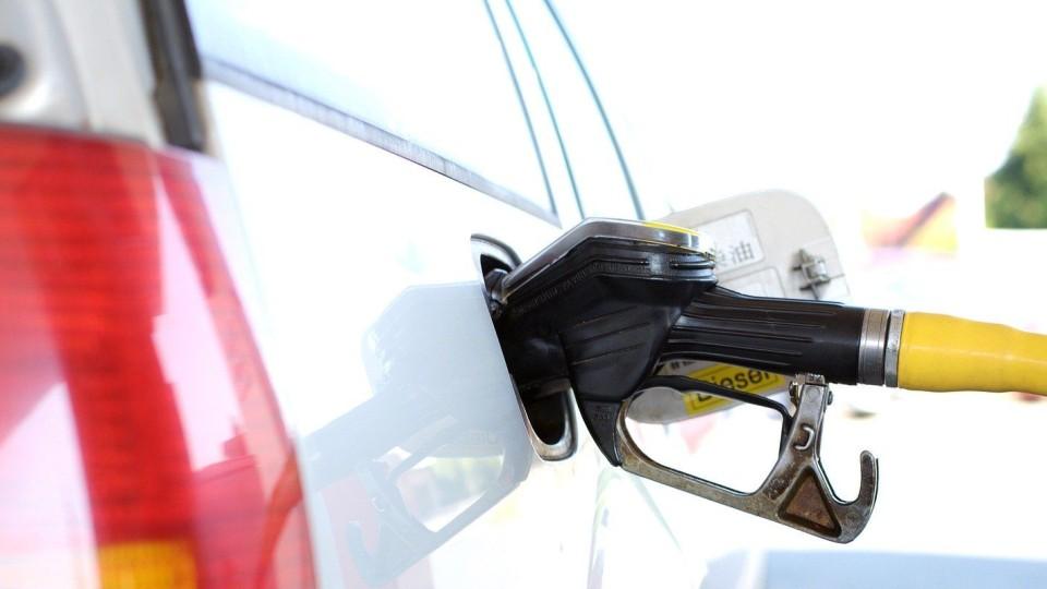 Co się stanie kiedy cena benzyny wzrośnie? Pytania radnych dotyczące dowozu dzieci niepełnosprawnych