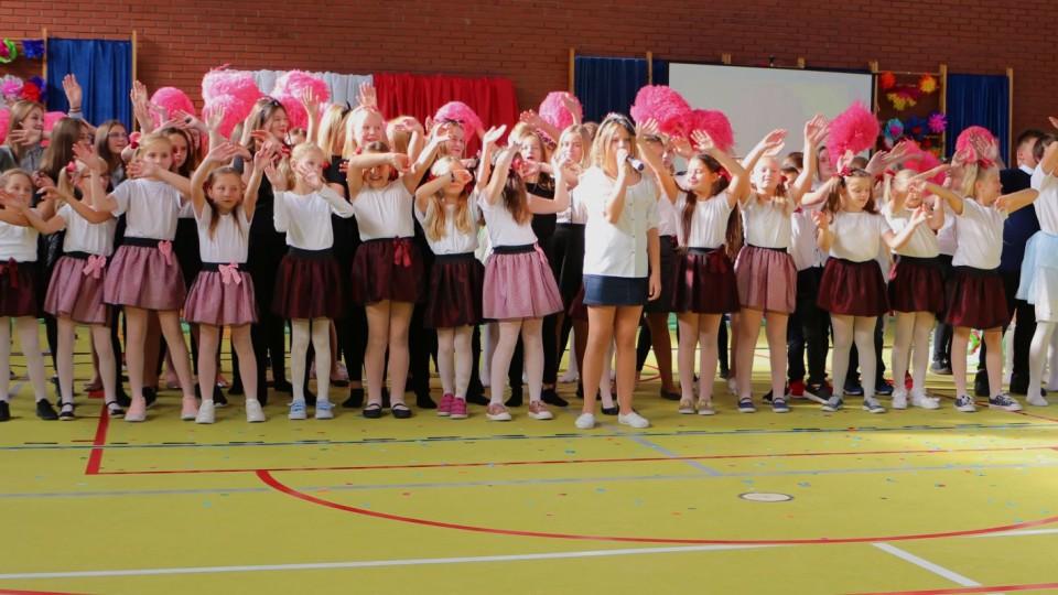Uroczyste oddanie hali gimnastycznej w Dniu Nauczyciela
