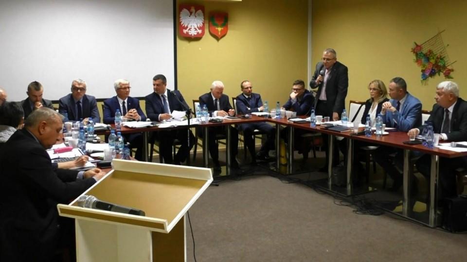 Radni złożyli pierwsze interpelacje do burmistrza