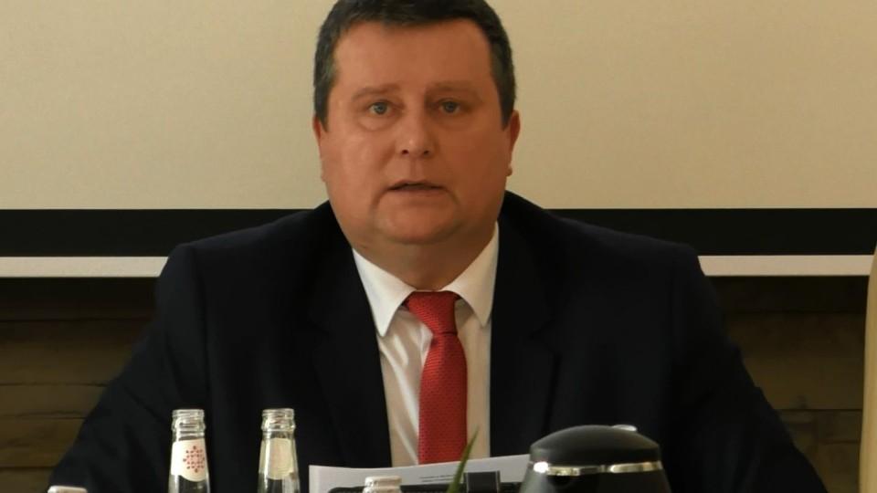 Ile czasu potrzebuje Wojciech Maślanek na udzielenie odpowiedzi? Radni równi i równiejsi