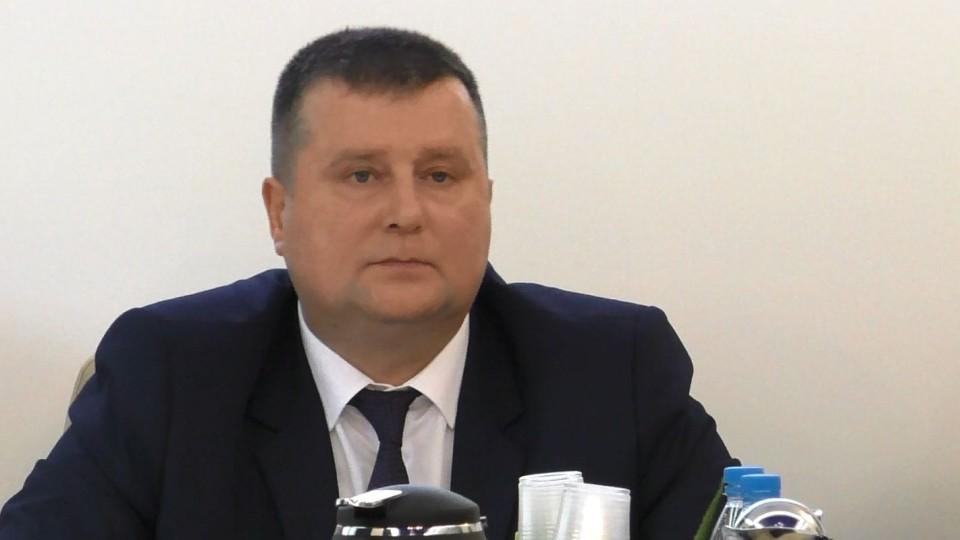 Przewodniczący Maślanek obronił się sam